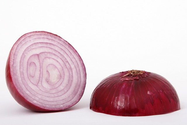 red onions help reduce heart disease and lower blood sugar level