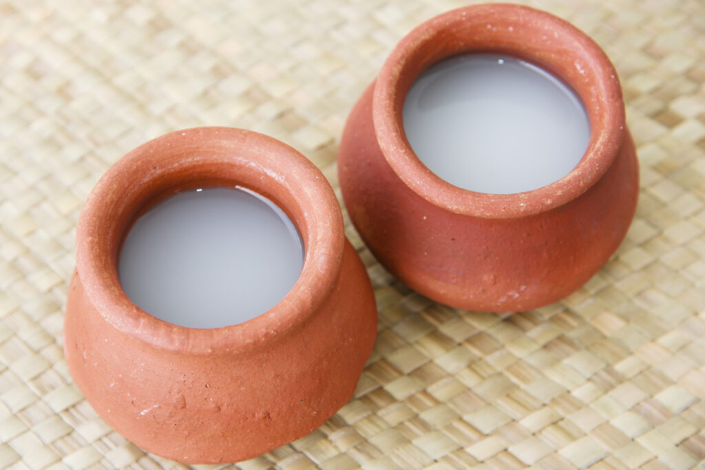 palm wine is clay pot