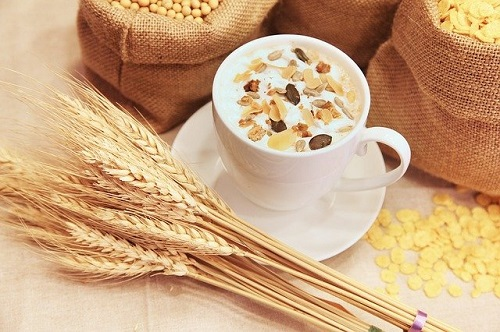 oats helps to increase breast milk production